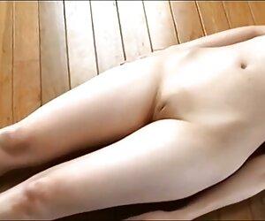 法国牧师在做爱,打屁股和咀嚼之后,在她的阴部撕裂内裤的修女。 新的性感电影